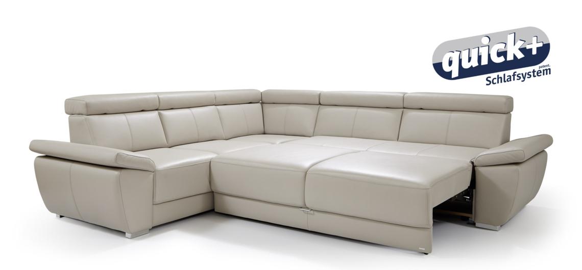 Damit Auch Platz Für Gäste Ist, Wird Aus Der Komfortablen Sitzmöglichkeit  In Nur Wenigen Sekunden Ein Vollwertiges Doppelbett.